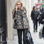 Abrigo XL con colores girses de Leopardo